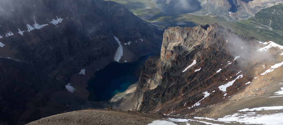 An emerald tarn on the west side between Verdant Peak and Edith-Cavell
