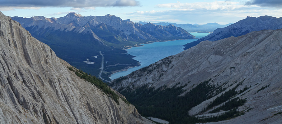 Gorgeous views of Abraham Lake begin on the ramp, and continue throughout the day.